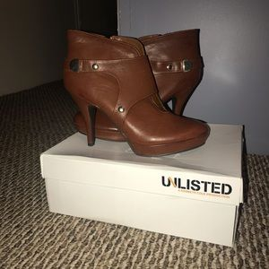 Unlisted Sz 10 Brown/Gold Heeled Boots